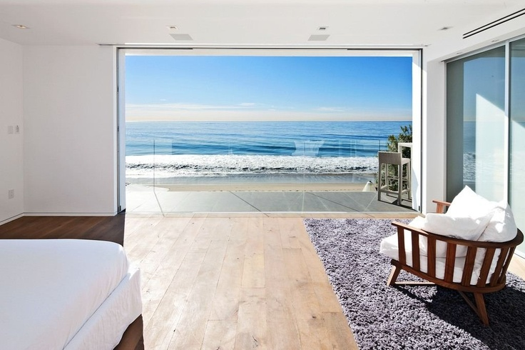 design malibu beach house with bedroom view