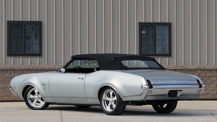 1969 Oldsmobile Cutlass S Convertible - 3