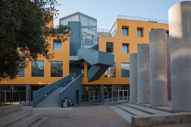Frank Gehry   Loyola Law School   Los Ángeles, California   1978-1991