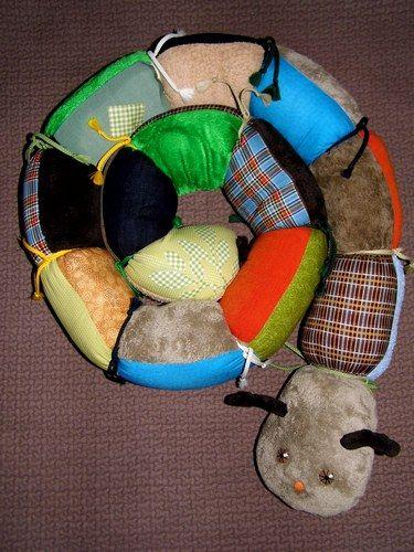 Chenille Géante d'Eveil °°° Différents types de tissus, de couleurs et de motifs pour l'éveil de bébé... Ƹ̵̡Ӝ̵̨̄Ʒ Nouillelfique