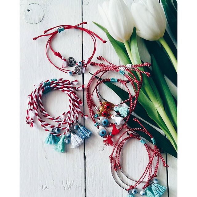•March is coming• #ohsocutethings #handmade #jewelry #greekdesigners#greekdesigner#madeingreece #martis #martakia #marchbracelet #bracelet#boho#instaphoto#μαρτακια#jewelrygram#photooftoday#evileye#love#cute#instagood#fashionjewelry#tulip#fashionista#fashiongram #fashion #happy #spring #sun #style