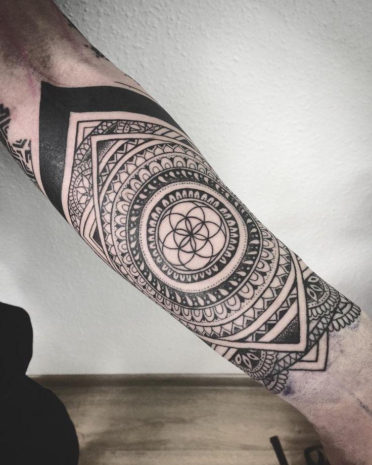 #tattoo #dotwork #ethnic #sacredtattoo #seedoflife