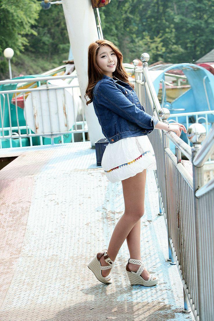 「Lee Hyo Young」のアイデア 32 件   メッセ, キャンペーンガール