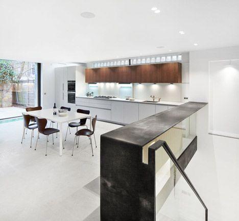 Robert_Dye_extend_London_mews_house_dezeen_468_11