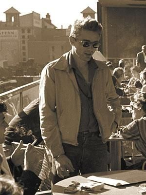 Rare photography of James Dean on the roof of the museum of modern art (MoMa) in 1954.