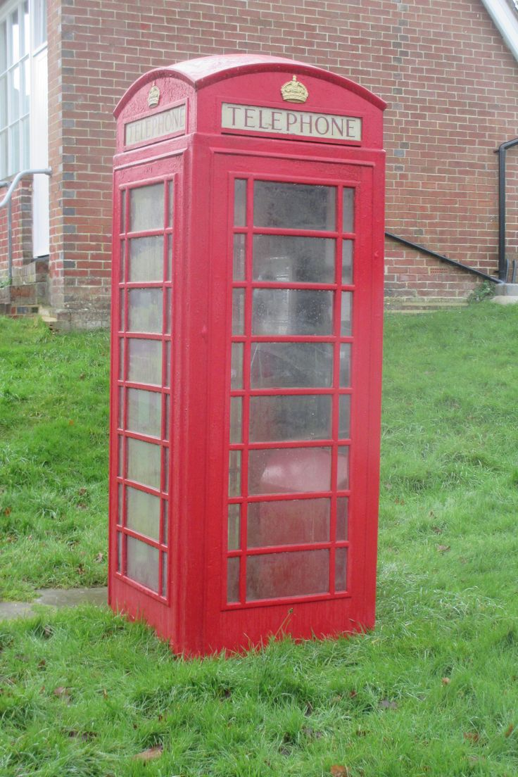 The ubiquitous K6 Telephone Box photographed in Chailey, East Sussex in January 2015.