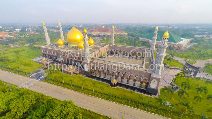 Another amazing masjid building in Indonesia