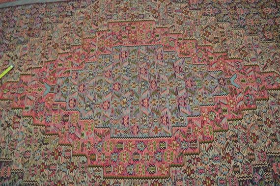 9.8 X 6.7 FT Stunning Geomtric Pattern Turkish Area Size Rug,Vintge Pink with Green Combnation high