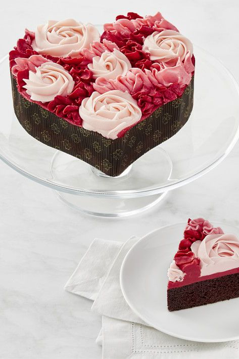 Heart Shape Cake Decoration At Home : 17 Best ideas about Heart Shaped Cakes on Pinterest ...