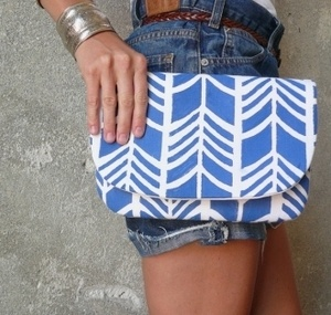 clutch.: Fashion, Bags Yo, Beautiful Bags, Products Graphics, Clutches Bags, Accessories Galor, Summer Colors, Mary Clutches, Clutches Crushes