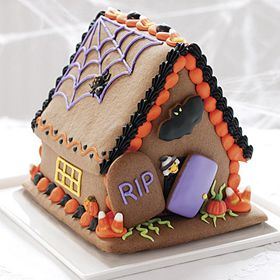 Halloween Gingerbread house so cute!