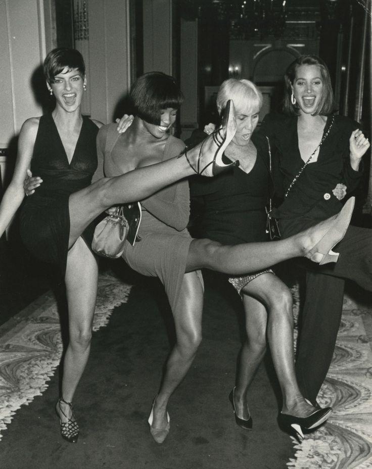Linda Evangelista, Naomi Campbell, Polly Mellen, Christy Turlington, 1989 Photo: Ron Galella