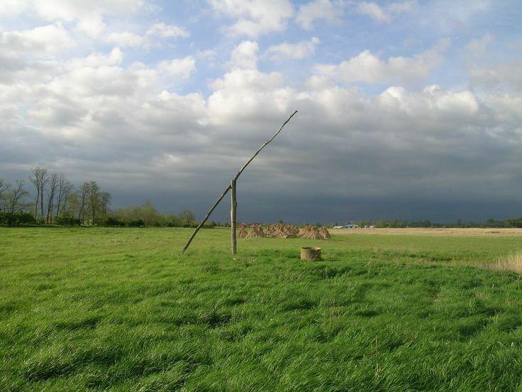 Nyírség - Az Alföld északkeleti részén található középtáj. A táj nagy része Szabolcs-Szatmár-Bereg megyében helyezkedik el, de vannak települések Hajdú-Bihar megyében, illetve a romániai Szatmár megyében is. - csodás! :)