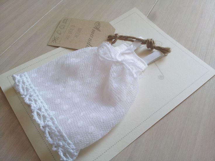 **La petite Robe de baptême n°1** Faire part original de baptême fille en tissu
