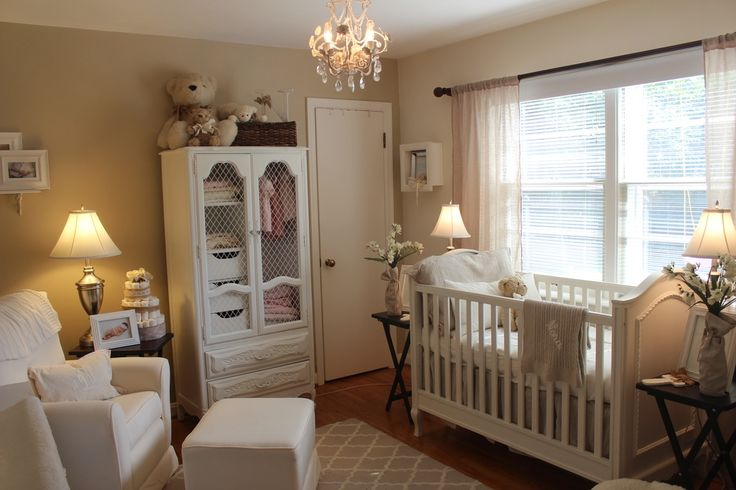 Traditional Kids Bedroom with Westwood - Harper 3 in 1 Crib, Carpet, Ashley Furniture - Ruth Table Lamp (Set of 2)