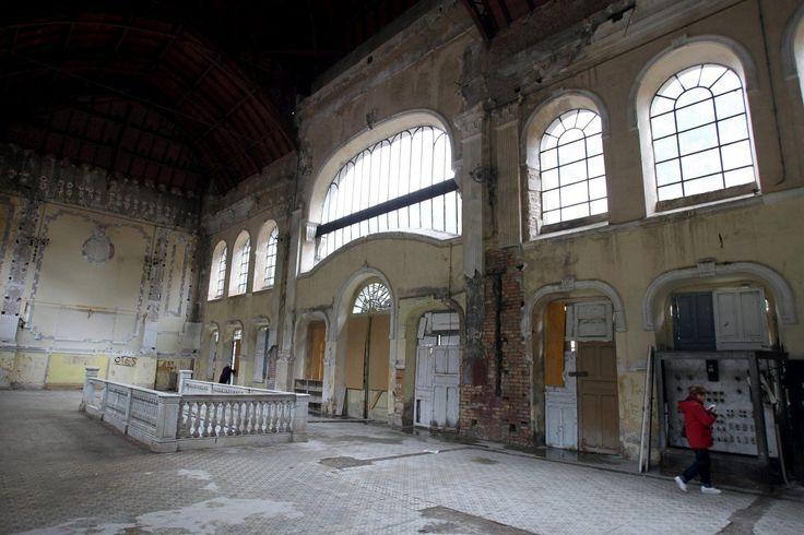 L'intérieur de la gare internationale de Canfranc, en Espagne, le 11 octobre 2012.