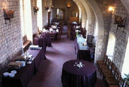 ¿Te gustaría casarte en un castillo medieval? Aquí tienes algunas ideas para que escojas entre distintos castillos en Catalunya