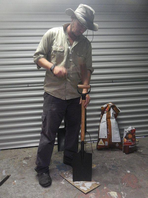 Re-handling A Vintage Spade..