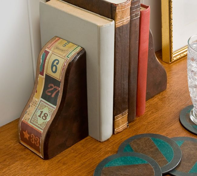 'I made bookends out of shelf brackets and coasters out of lighting covers - get these materials at your hardware store!': Crafts Paintings, Decor Bookends, Craft Painting, Crafts Ideas Diy, Diy Bookends, Crafts Ideas Projects, Crafty Gifts, Handmade Gifts, Alphabet Bookends I