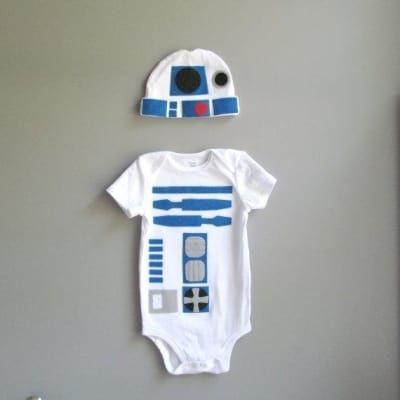 Perfecto para el bebé de un fanático de La guerra de las galaxias. Encuéntralo aquí.