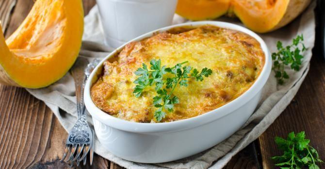 Recette de Gratin de potiron léger au persil. Facile et rapide à réaliser, goûteuse et diététique. Ingrédients, préparation et recettes associées.