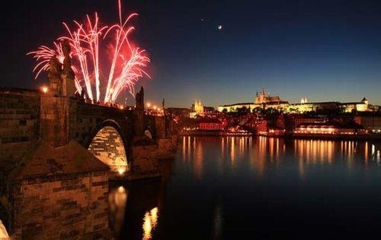 Il Ponte Carlo, uno dei luoghi del magico capodanno di Praga