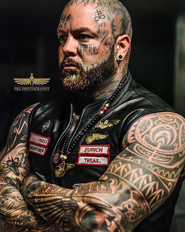 #hellsangels #rocker #tattoo #harleydavidson #zurich #switzerland #photooftheday #instaphoto #instacool #photo #lifestyle #tattoos #gym #bodybuilder