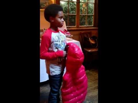 Mom in the City captured a fun vid from Diandre Tristan's back-to-school style session. How adorable is this little guy?