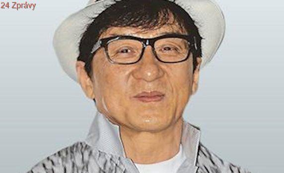 Čínský sen. Kina pouští před filmy propagandu, hraje v ní Jackie Chan