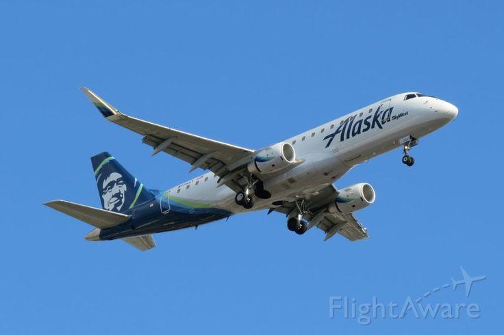 Photo of SkyWest E175 (N176SY) ✈ FlightAware
