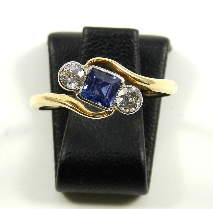 Art Deco Saphir Diamant Ring 0,3 ct Diamanten 18 K Gold Trilogie Ring um 1920