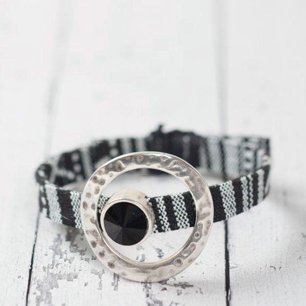 Ethno-Armband Rivoli Jet #ethnoarmband #ethno #diyschmuck #schmuckanleitung #schmuckshop #selbstgemacht #jewelrymaking #schmuckdesign #schmuckideen