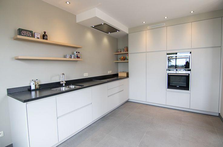 Moderne keuken, Siemens toestellen, Graniet werkblad