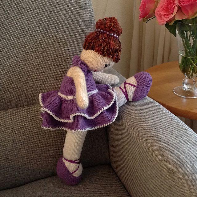 Ballerina Girl KAL- ballerina by wolbol28- pattern by Irishmagda for prawelewe {www.prawelewe.pl}