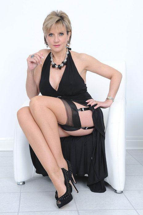 pantyhose landlady