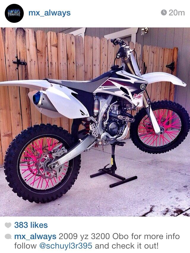 White plastic & pink spoke skins.This is exactly what I want!!! I love the white plastic and the pink spokes just make it magical!!