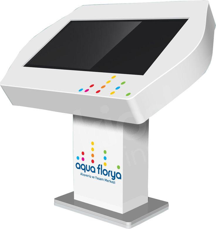 Aqua Florya'da da ziyaretçilerin hem yön bulmalarını kolaylaştırmak hem de gelen ziyaretçilerin bilgi edinmesini sağlamak için Kiosk İnnova'nın Toucdesk'leri kullanılıyor.