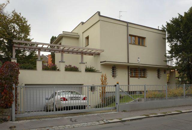 rekonstrukce domu ze 30. let - Hledat Googlem