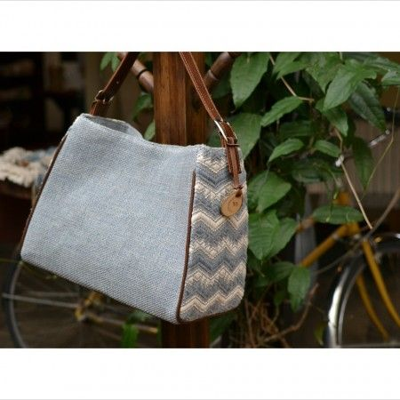 'Wayil Fatima Denim' Handbag   Beautiful handwoven handbag in natural colored cotton and recycled denim with leather strap.