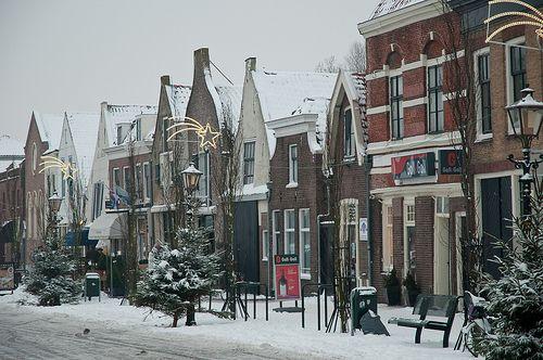 Brielle in sneeuw, Turfkade