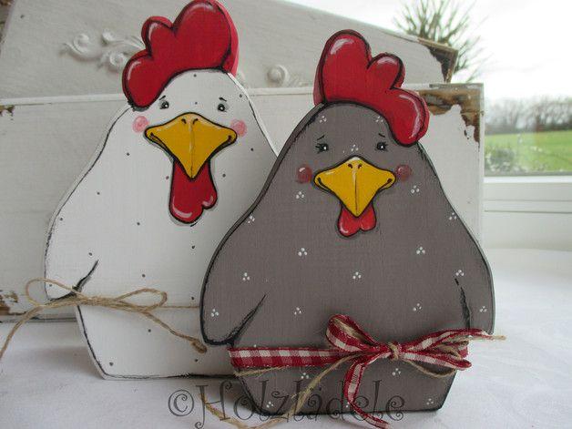 Glück im Hühnerstall! Fröhliche Hühner für eine bunte Frühlingsdeko in Deinem Zuhause. Aus einer alten Holzdiele gesägt, diese kann auch mal Äste und Risse haben. Mit stark geschliffenen Kanten...
