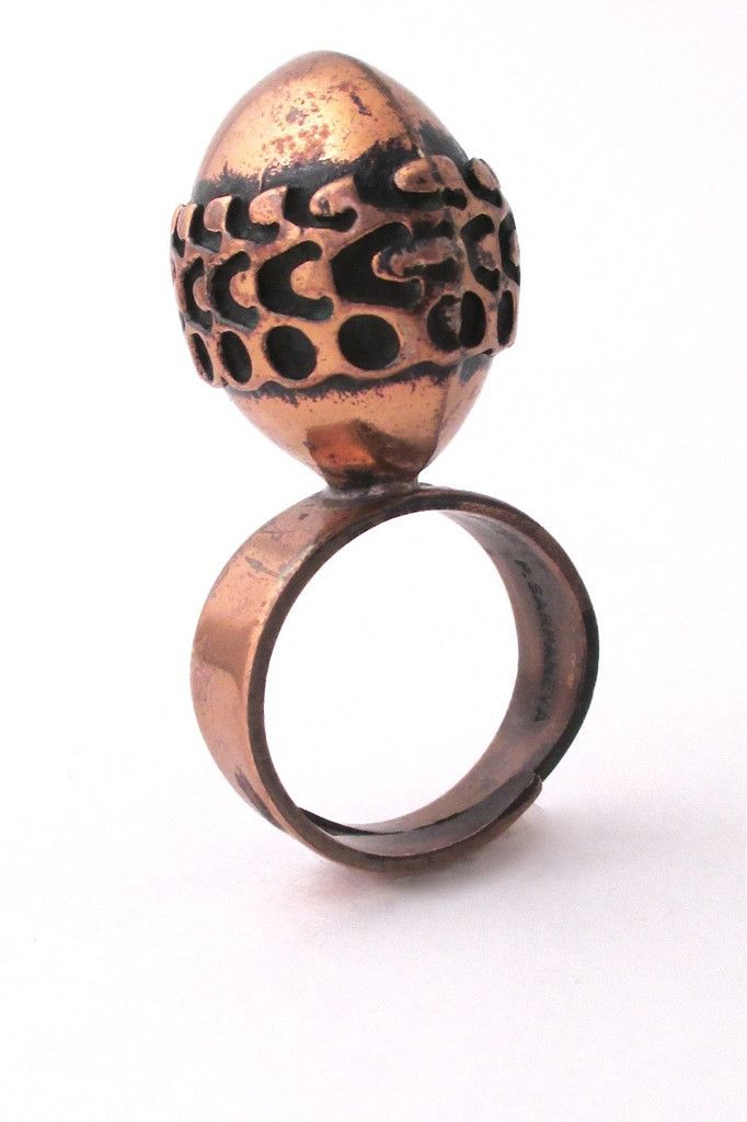 Pentti Sarpaneva, Finland -  large oval bronze ring #bronze #Finland #ring