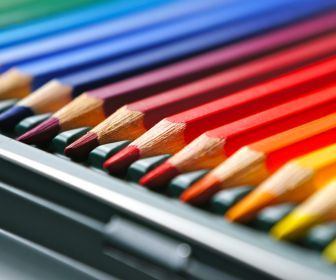 multicolor colored pencils