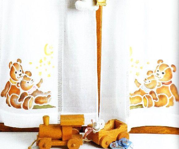 cameretta-bambini-tenda-finestra-stencil