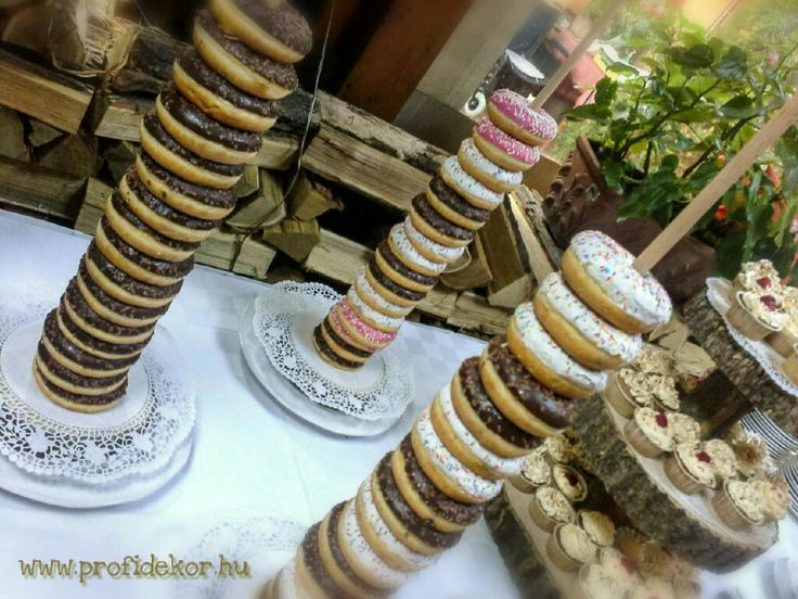 #Budapest #Zilaetterem #eskuvo #wedding #vintage #muffin #donut #wood