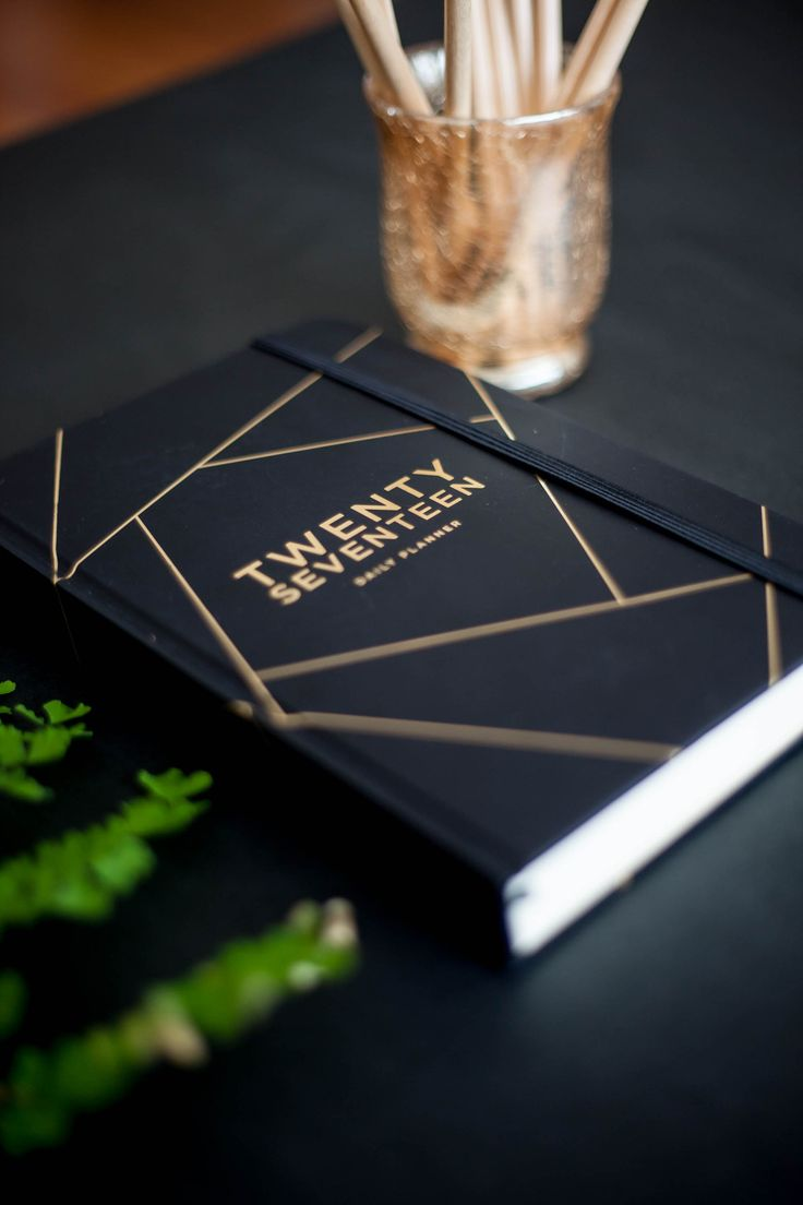 2017 Diary | Daily planner Black/Gold (Pre-order) – FRANK Stationery
