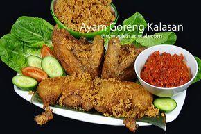AYAM GORENG KALASAN dengan trademark Ayam Goreng Mbok Berek sudah dikenal masyarakat sejak tahun 1952. Mbok Berek adalah nama panggilan dari Ibu Ronodikromo, seseorang yang mengenalkan resep ini pertama kali. Untuk mencukupi kebutuhan keluarga, Mbok Berek mendirikan rumah makan kecil, di Padukuhan Candisari Bendan, Desa Tirtomartani, Kecamatan Kalasan, tepatnya di pinggir jalan Jogja-Solo. Sampai saat ini Dusun Bendan, Candisari merupakan sentra produksi ayam goreng di Kalasan.