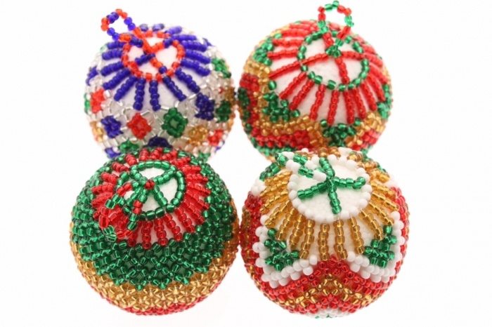 Beaded Christmas Decoration Incorporate South African Beading Tradition With Pinterest Decorations