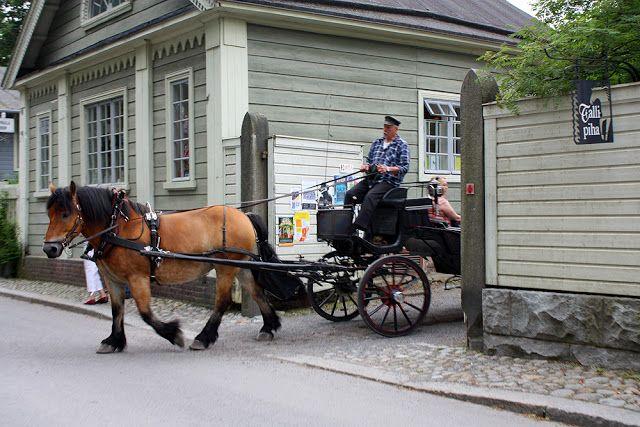 Tallipiha #tampere #finland, - hevosajelutunnelmaa -