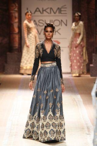 Anju Modi. LFW A/W 14'. Indian Couture.
